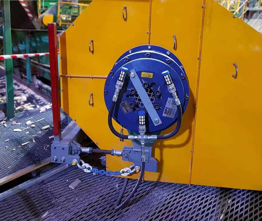 Low inertia brake for chipper