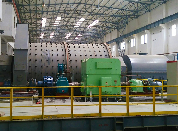 Clutch on grinding mill